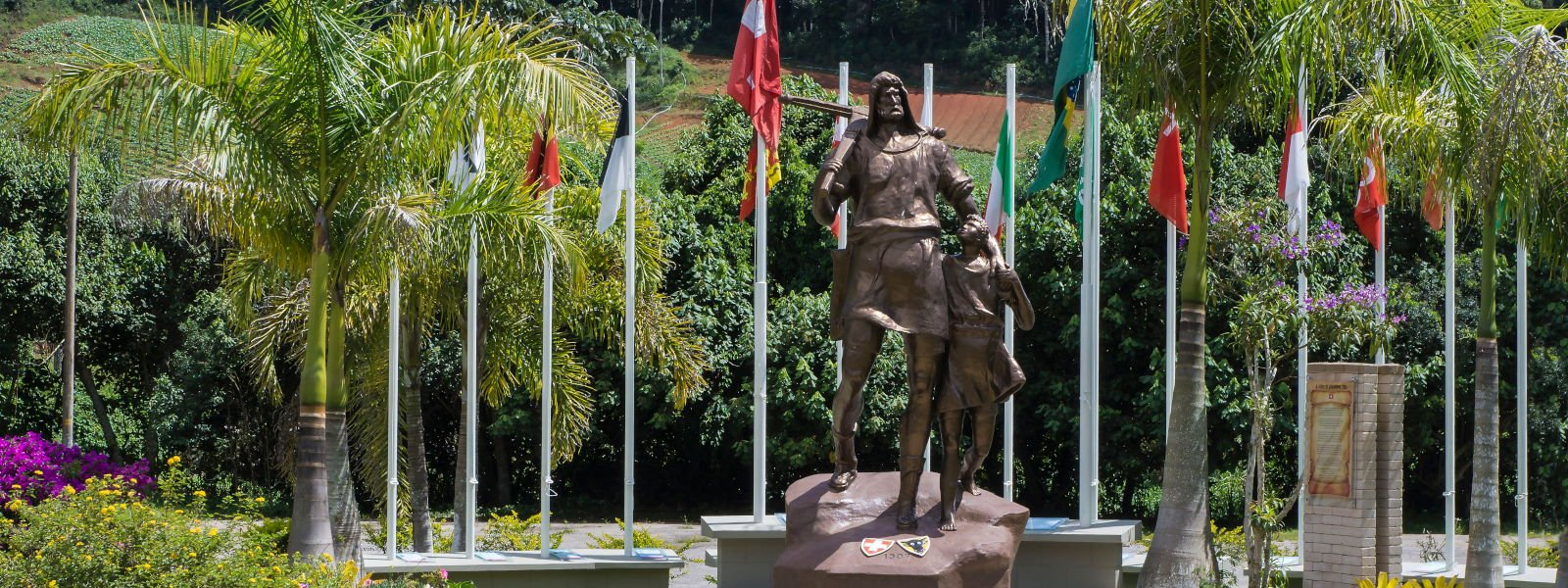Estátua de Guilherme Tel - foto por Regina Lo Bianco